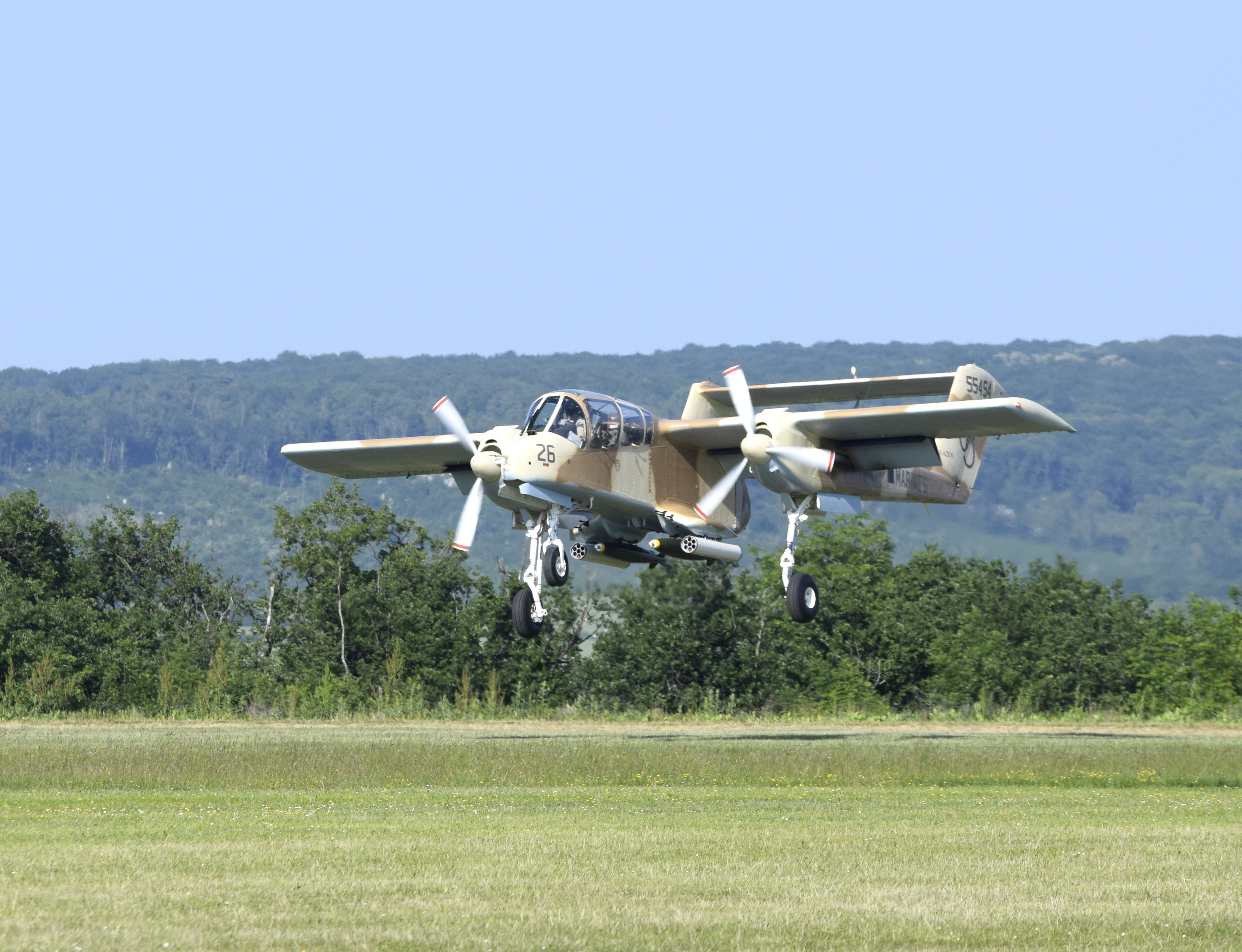 North American OV-10 Bronco (F-AZKM)